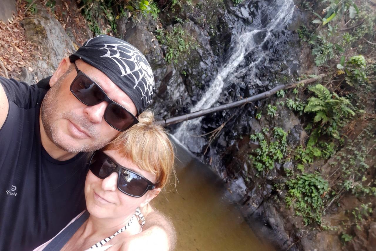jožko s manželkou beátkou a vodopád na langkawi