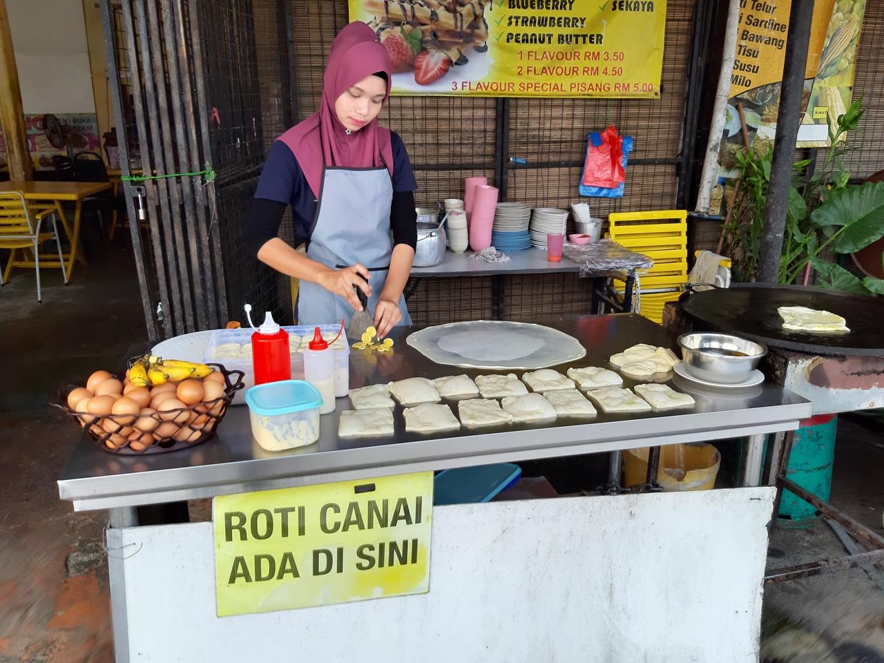 raňajky v príprave - roti canai