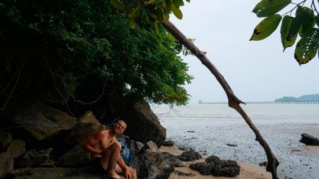 pulau-tuba-plaz-dva-batohy