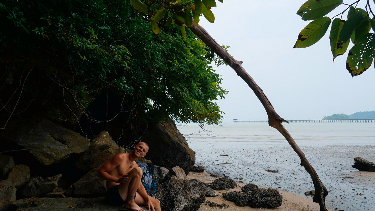 pulau-tuba-plaz-molo